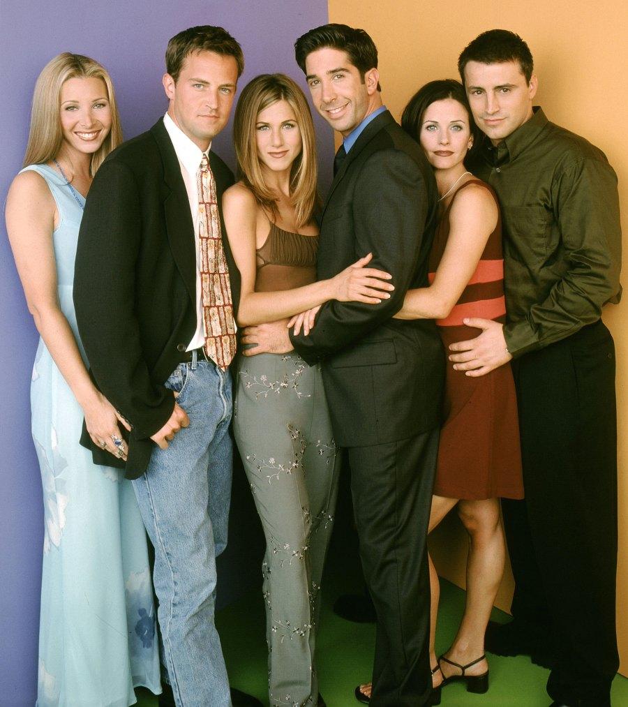 16 лет спустя: актеры сериала  Друзья  снова вместе. Они решили издать книгу рецептов