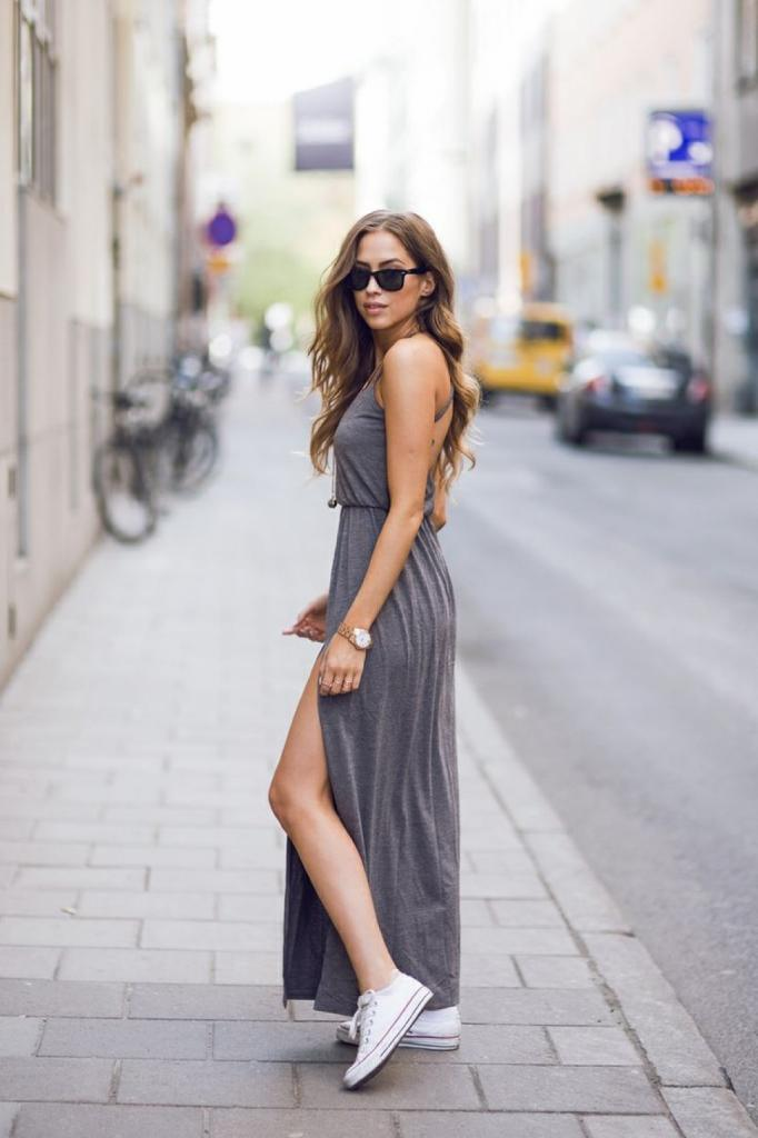 Верх лучше заправить в штаны, а обувь подобрать нейтрального цвета и без сложных украшений: стильные хитрости, благодаря которым можно выглядеть выше и моложе