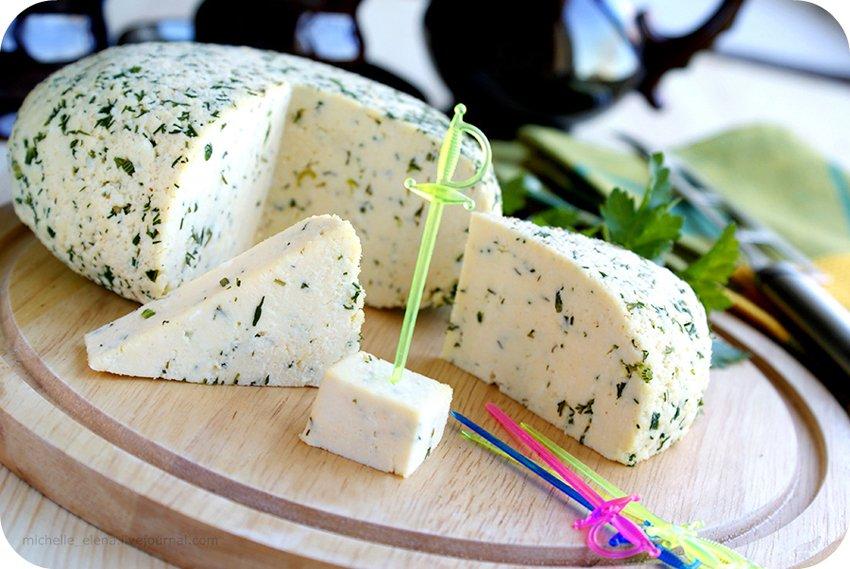 С болгарским перцем и укропом. 5 рецептов приготовления вкусного домашнего сыра