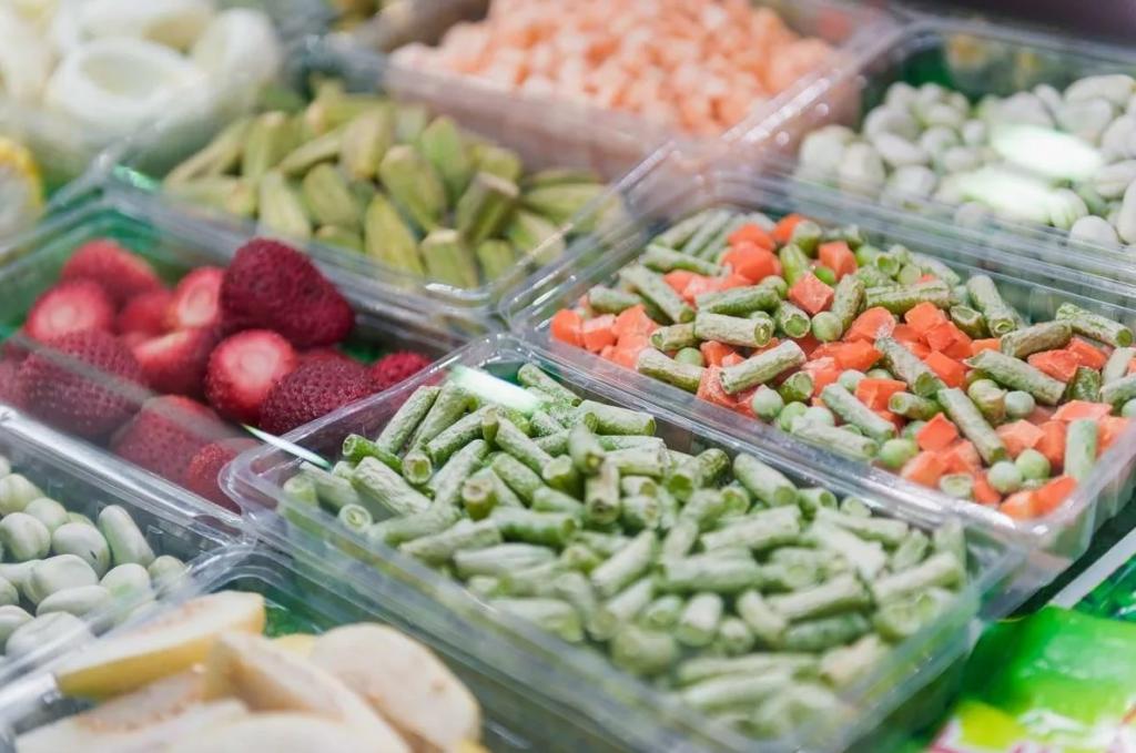 Креветки, горох и другие продукты, которые после заморозки становятся лучше свежих