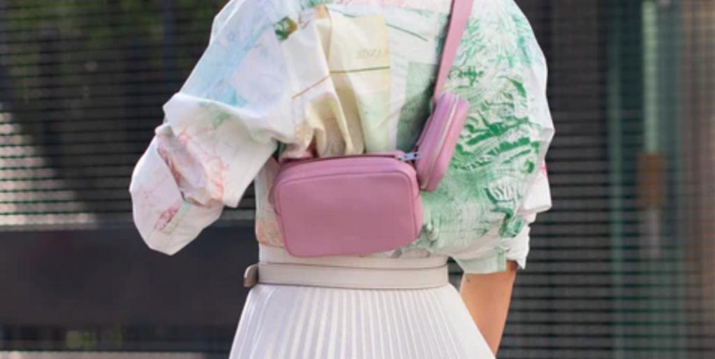 Мини, плетеные или слинг: 8 сумок, которые будут в тренде этим летом