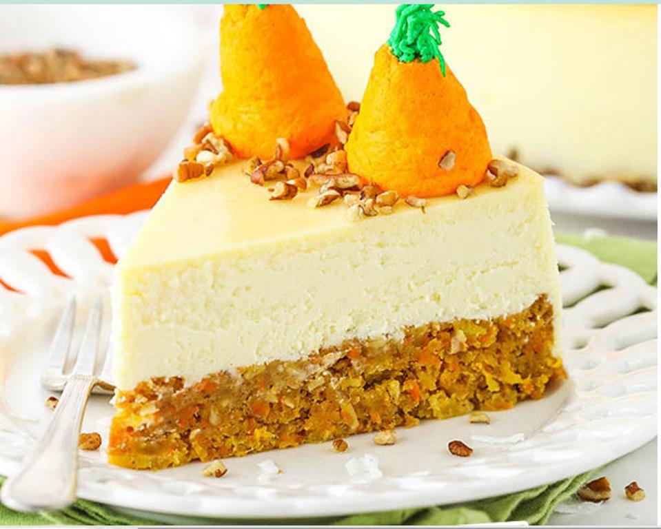 Морковно ванильный чизкейк меня научила печь бабушка. Назывался он  Морковка на облачке