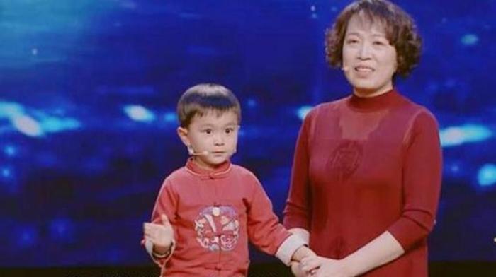 Бабушка сделала из 5-летнего внука вундеркинда, играя с ним в игры