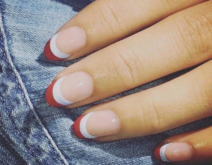Новая тенденция в маникюре: делаем двойные французские ногти