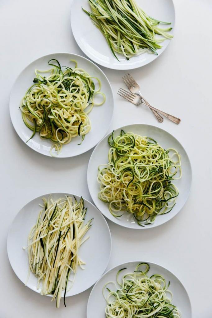 Вместо лапши   кабачок: настоящий летний салат в азиатском стиле