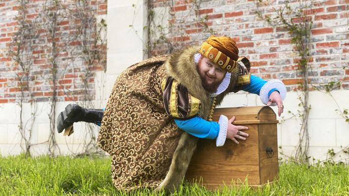 Пухляш из Little Big сыграл принца в комедийном сериале Чума, стартовавшем на онлайн-платформе iVi