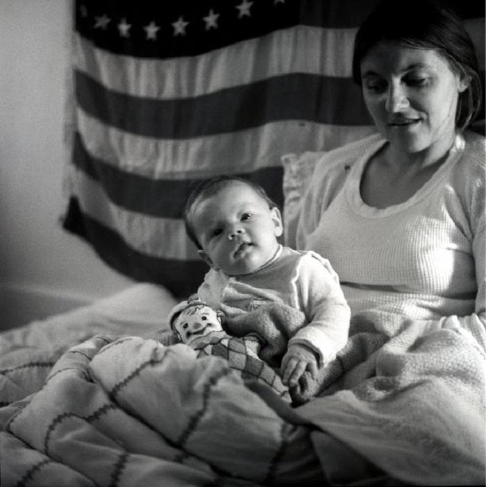 В середине 70 х никто не мог и подумать, что этот малыш станет известным (фото)