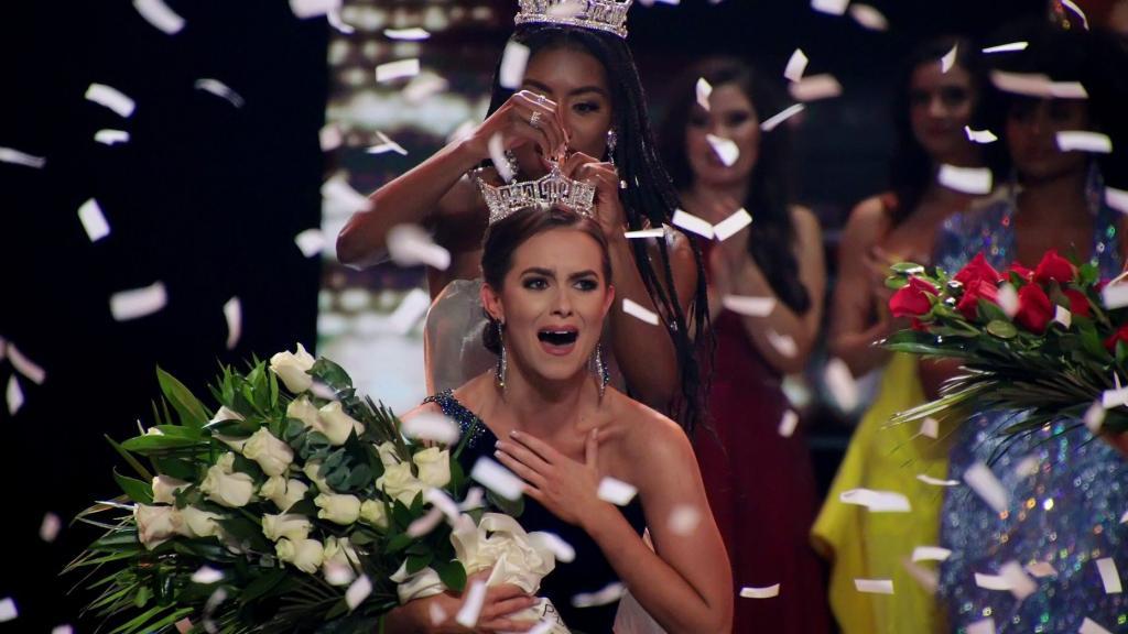 Впервые в истории  Мисс Америка  остается на второй срок, поскольку юбилейный 100 й конкурс красоты отменен из за пандемии