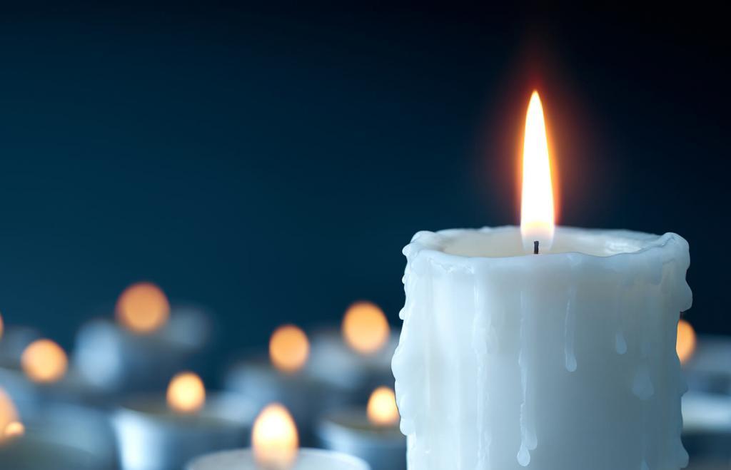 Бабушка рассказала о сильном заговоре на женское счастье, о котором мало кто знает: нужны свеча и ладан