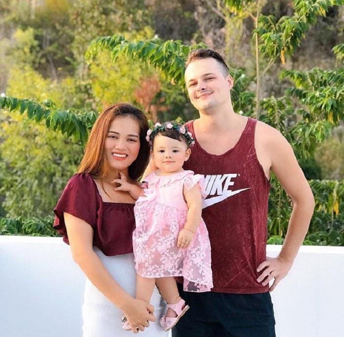 Девочка с российскими, вьетнамскими и американскими корнями радует своей красотой: ее называют маленьким ангелом