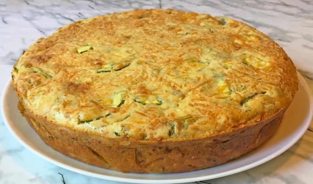 Уже третий день подряд готовлю кабачковый пирог: чудесное блюдо без лишней суеты и за копейки