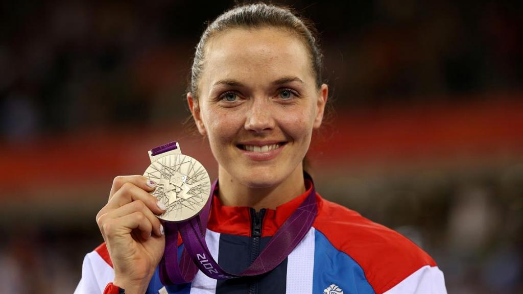 Олимпийская чемпионка заметила, что мужчины всегда стараются обогнать ее на велосипеде: она находит это забавным