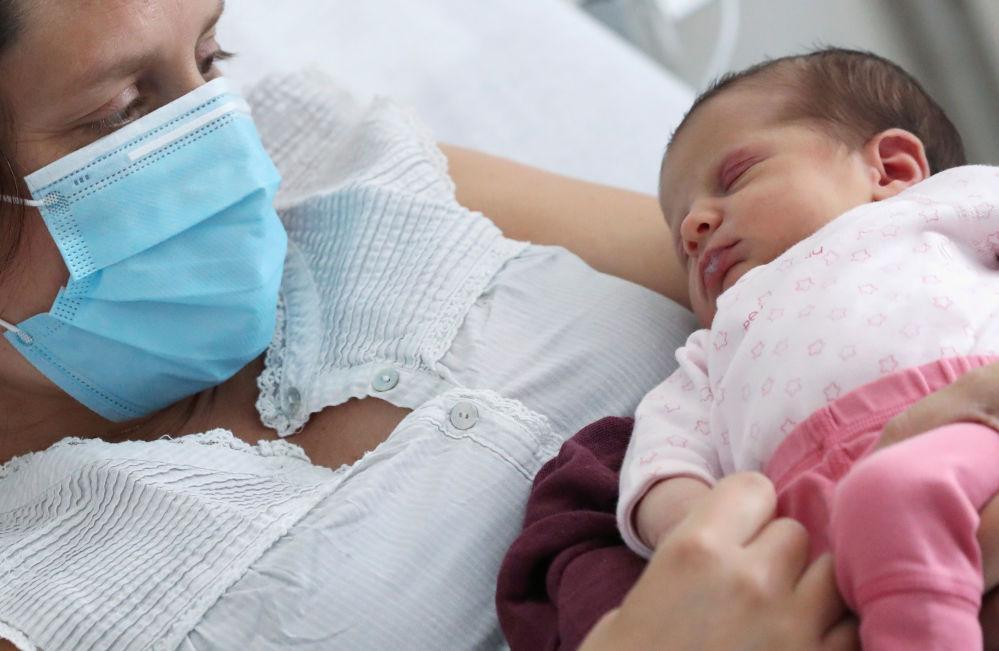 Ученые предупреждают, что дети до 2-х лет не должны носить маски для лица