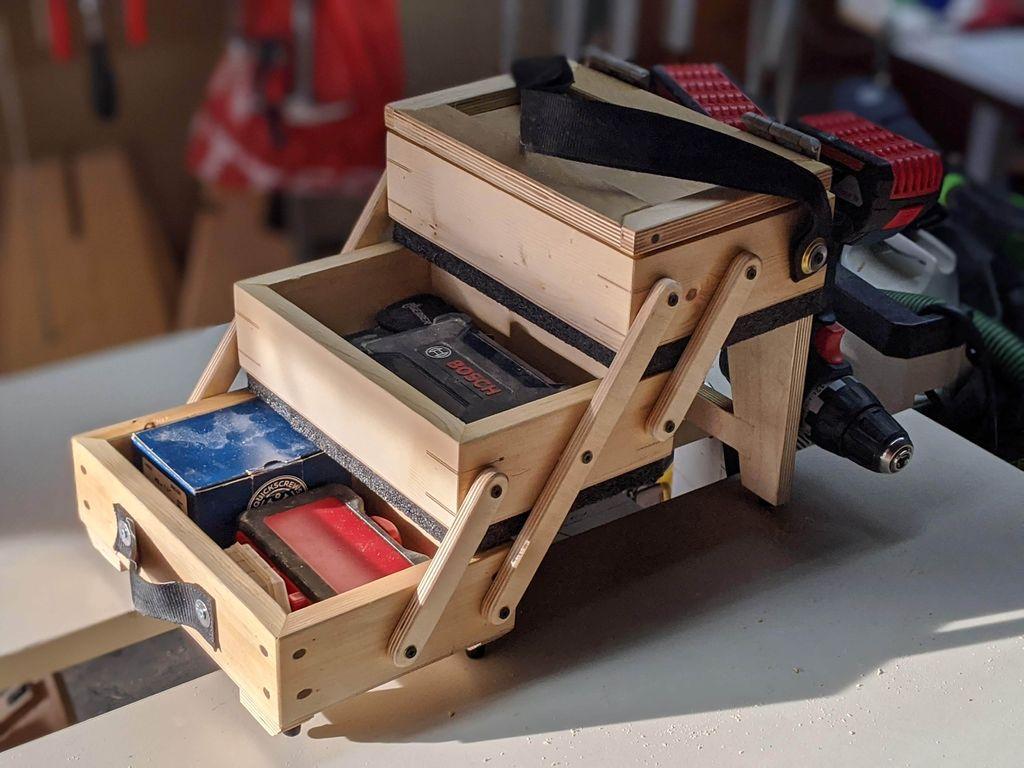 Муж смастерил из дерева удобный трехуровневый ящик для инструментов. Теперь хочу попросить такой же для косметики (инструкция)
