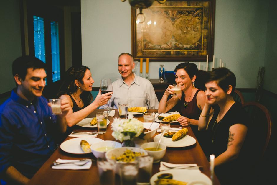 Во время традиционного обеда мама сделала важное заявление для всей семьи
