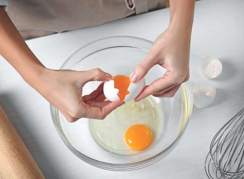 Целую неделю у меня жил друг-повар. Он заметил, что я делаю все возможное, чтобы испортить свой завтрак: он дал советы, как это исправить