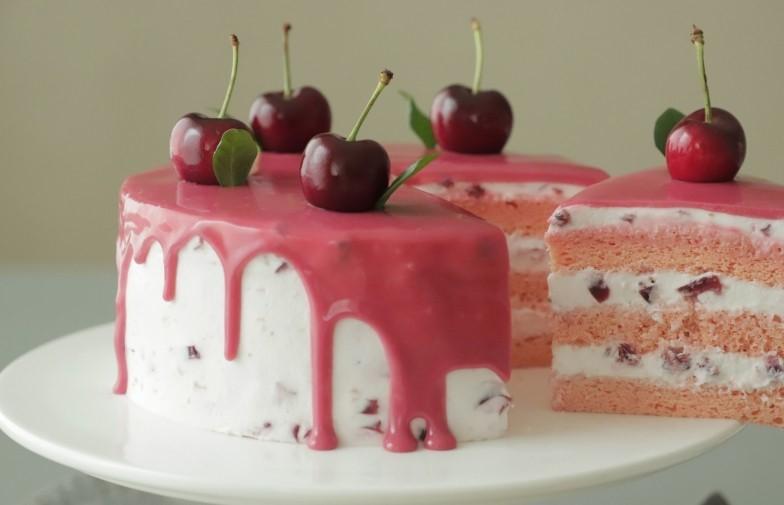 Когда приходит сезон черешни, часто готовлю вкусный торт Розовая принцесса: рецепт