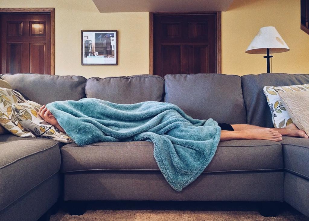 Лучше спишь, меньше тратишь денег: специалисты рассказали, какие проблемы появляются при недостатке сна