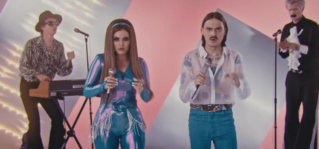 Самое трэшовое видео: клип группы Little Bigполучил немецкую премию Berlin Music Video Awards
