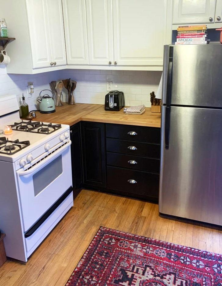 Моя кухня выглядела захламленной, и я нашла решение проблемы (фото)