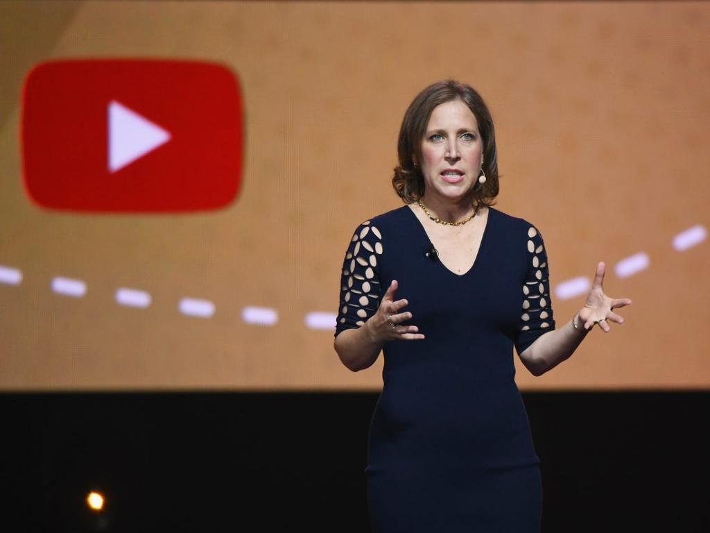 YouTube отмечает 15-летие: как неудачный сайт видеознакомств превратился в интернет-гиганта с 2 миллиардами пользователей