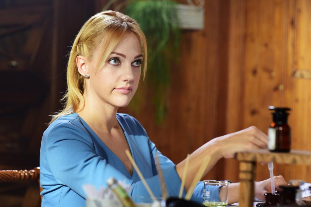 Посмотрела на Мерьем Узерли в роли не Роксоланы: парфюмерша Селин из нее тоже очень хороша (фото)