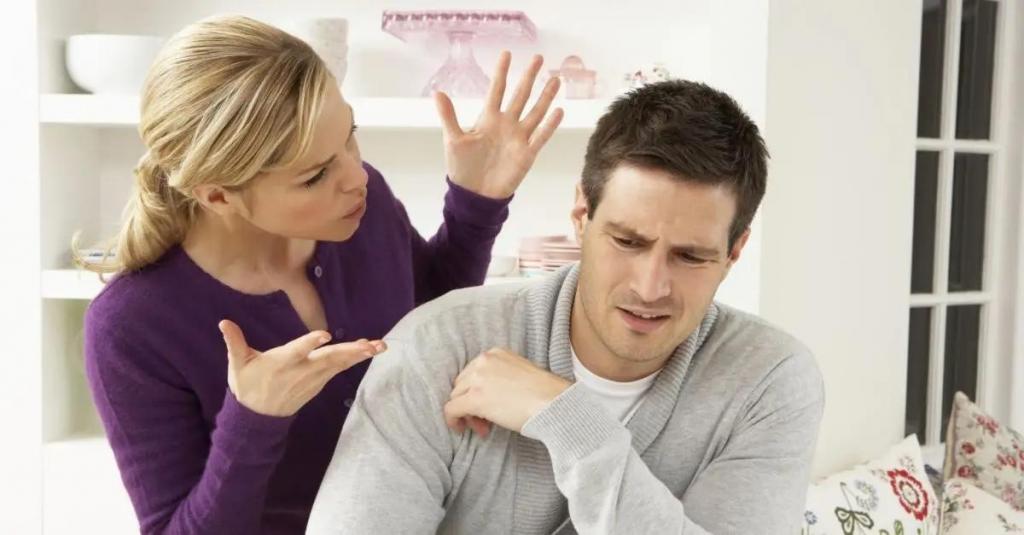 Что делает мужа по-настоящему ленивым и эгоистичным: обратить внимание стоит на уборку по дому, работу и даже денежные расходы