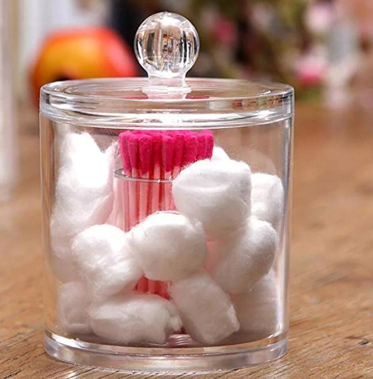 Несколько хитростей использования ватных шариков, которые мне помогают: от замены духов до подушки для украшений