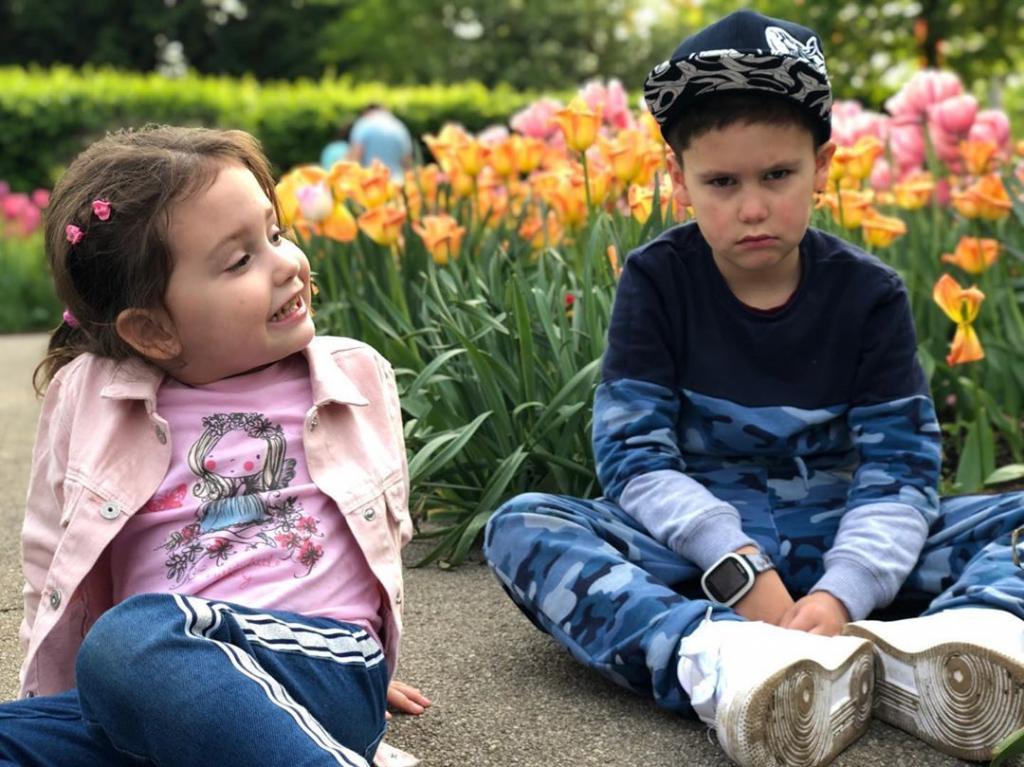 Прилучный повез на отдых не только детей, но и новую возлюбленную - подписчики Муцениеце выразили негодование
