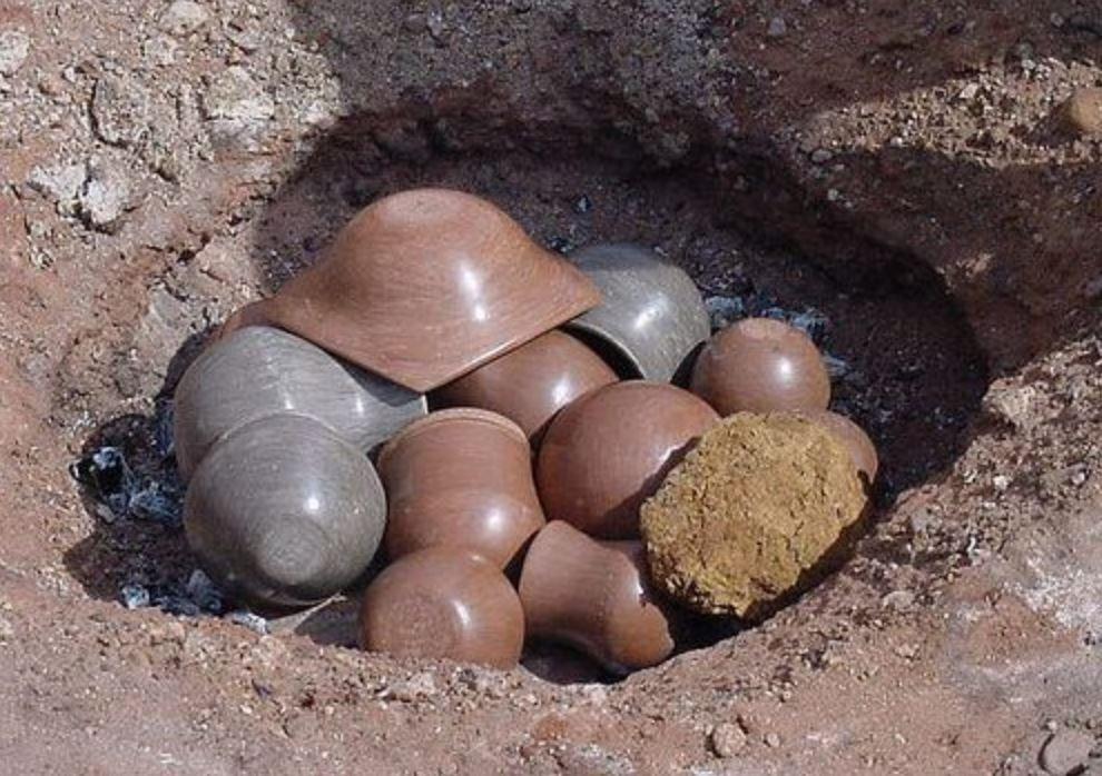 Соседка делает глиняную посуду: поделилась со мной, как она обжигает керамику без печи