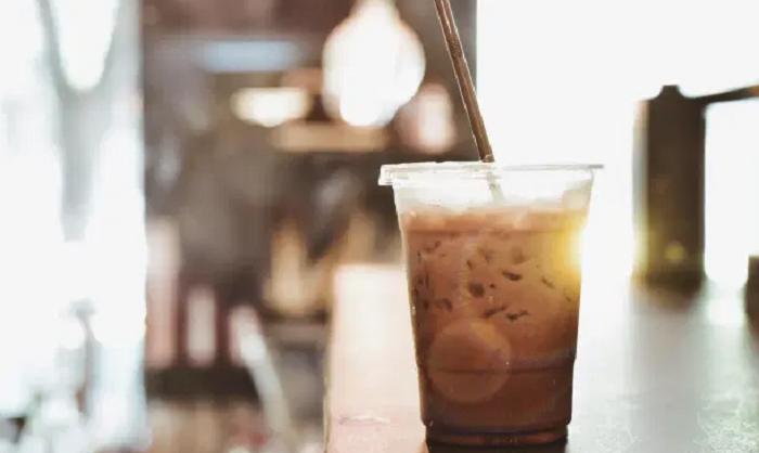 Мой простой пошаговый рецепт, как сделать вкусный айс-кофе из растворимого порошка
