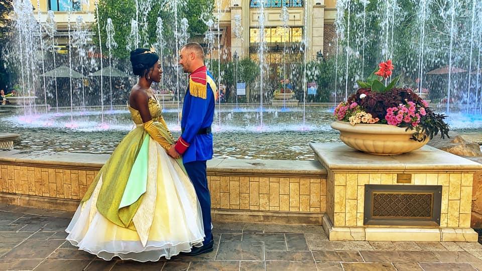 Красивый шанс прожить сказку: парень сделал девушке предложение в стиле диснеевской «Принцессы и лягушки»