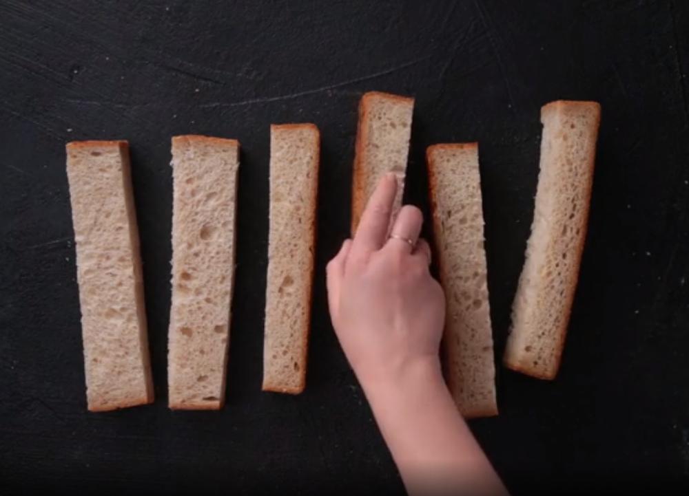 Удивила мужа шашлычками из одного только хлеба с сыром: даже мангал не нужен