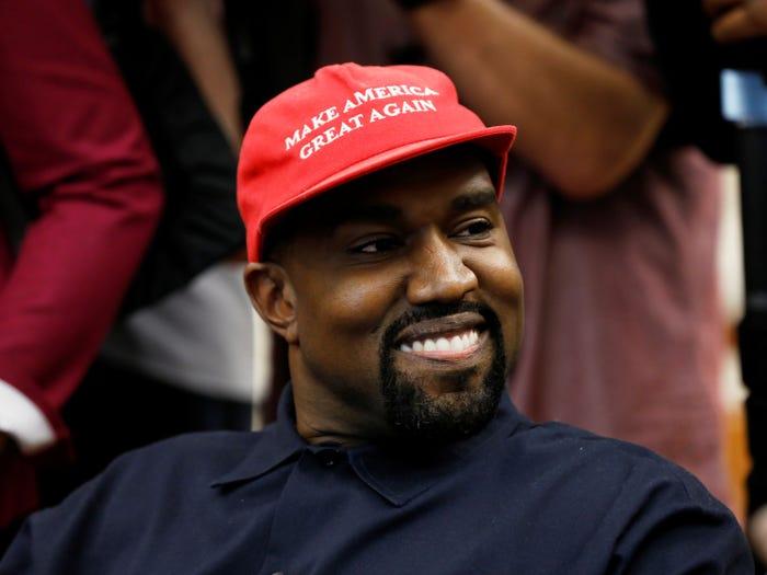 Объявление рэпера-бизнесмена Канье Уэста о намерении баллотироваться на пост президента США вызвало ажиотаж в соцсетях – мнения самые разные