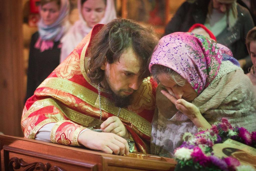 Батюшка в церкви рассказал, как помочь душе усопшего. Нужно обратиться к архангелу Михаилу: молитва