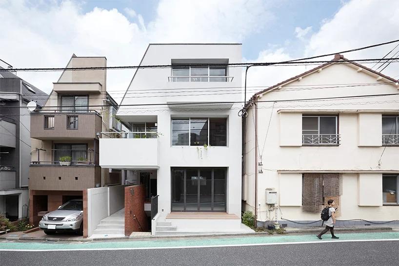 Внутри неприметного домика в Японии есть и магазинчик, и жилое помещения, и даже небольшая галерея: как он выглядит внутри