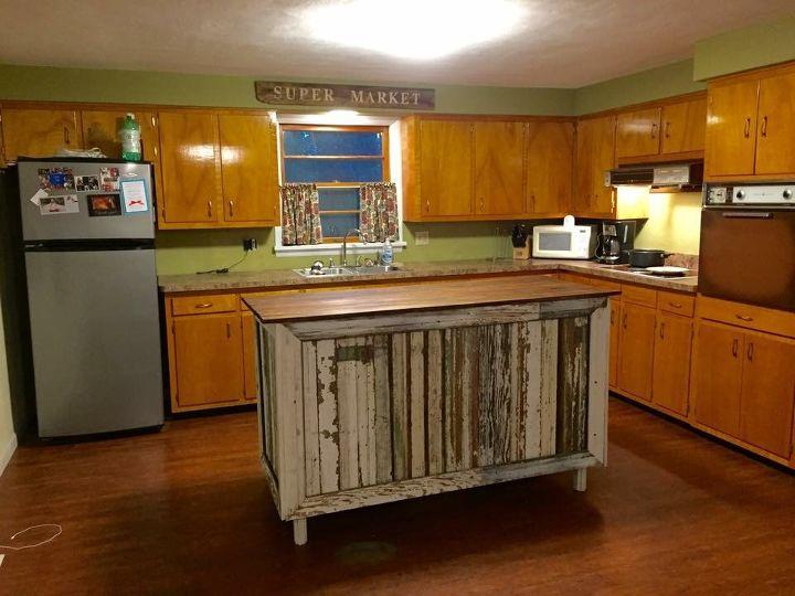 Сделали ремонт в кухне 1970-х годов: мне кажется, получилось очень даже ничего