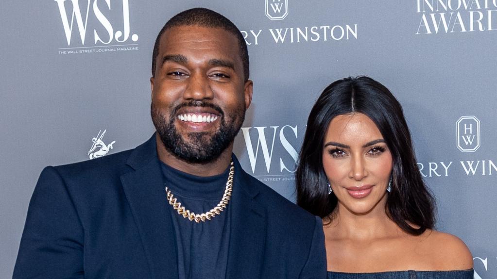 Ким Кардашьян показала, как Канье Уэст поздравил ее с получением статуса миллиардерши