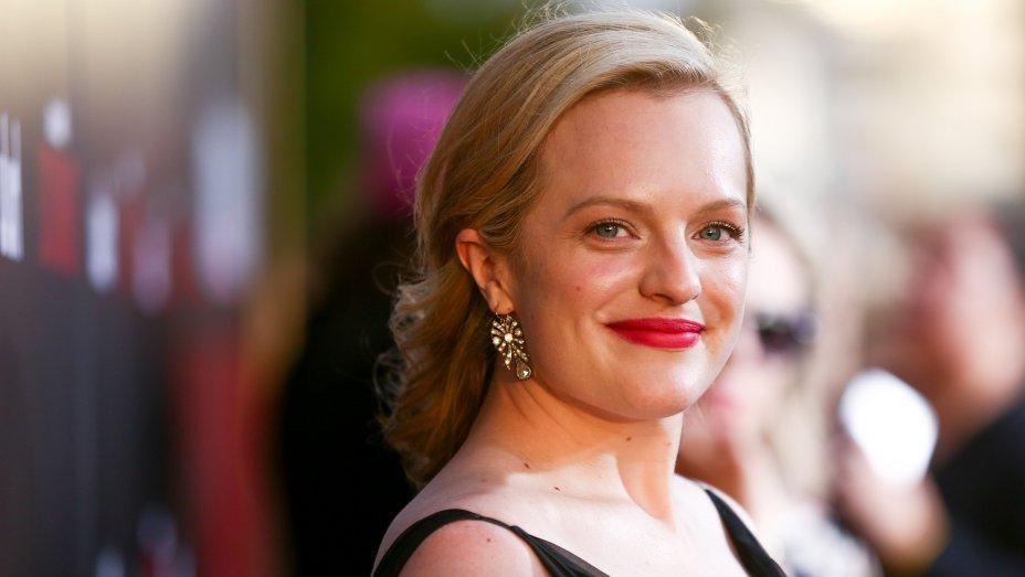 """Канны в действии: Элизабет Мосс подписала контракт на съемки в новом триллере """"Беги, кролик, беги"""" со 100-миллионным бюджетом"""