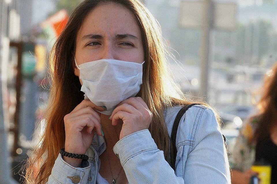 Одноразовые маски опасны для окружающей среды: как их правильно утилизировать? Разрезать, и не только