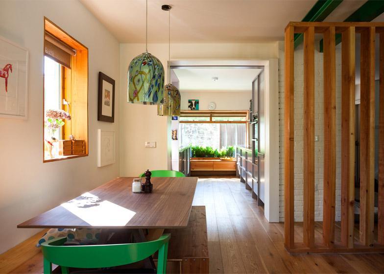 Чтобы увеличить жилплощадь, пара рискнула переделать старый гараж. Теперь он лучше их прежнего жилья (фото)