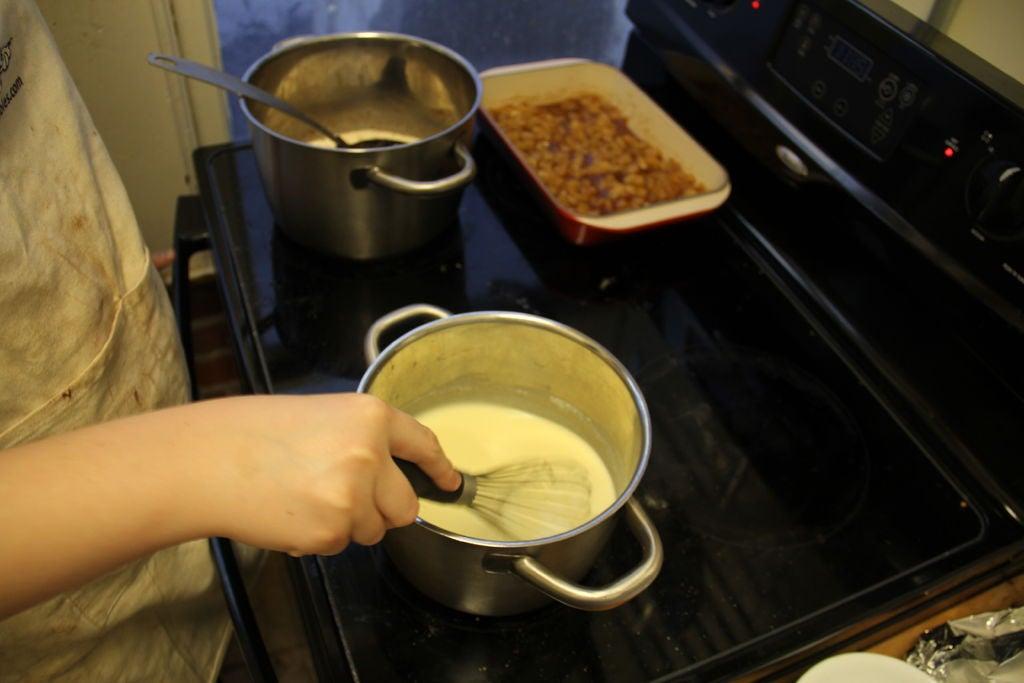 Хрустящая меренга с лимоном и сливочное мороженое: готовлю для деток очень вкусный десерт