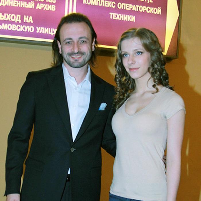 Илья Авербух собирается разобрать свой дом, чтобы построить новый для Лизы Арзамасовой