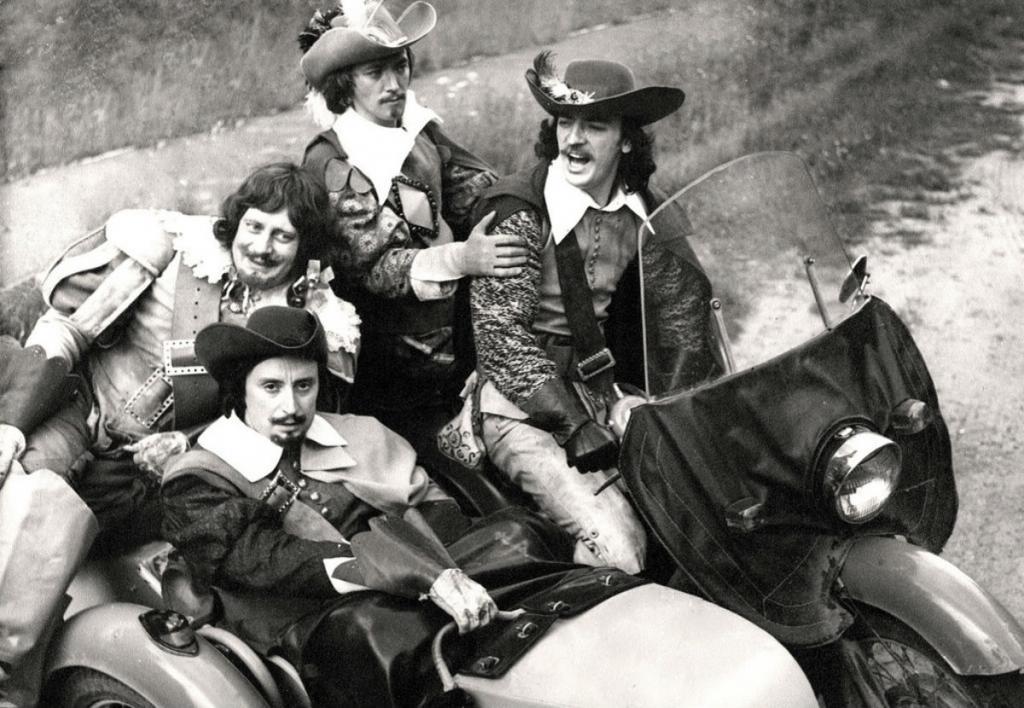 Боярский сам прыгал с 15-метровой высоты: воспоминания актеров и создателей шедевра советского кино Три мушкетера