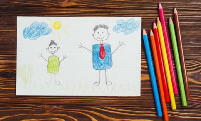 Мать двоих детей нашла в своем доме детский рисунок. Но не обрадовалась, а подала на развод