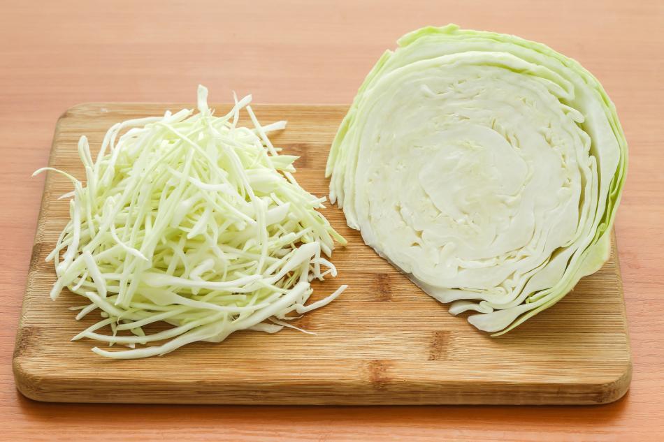 Капустный салат готовлю без проблем. Секрет в заправке из винного уксуса