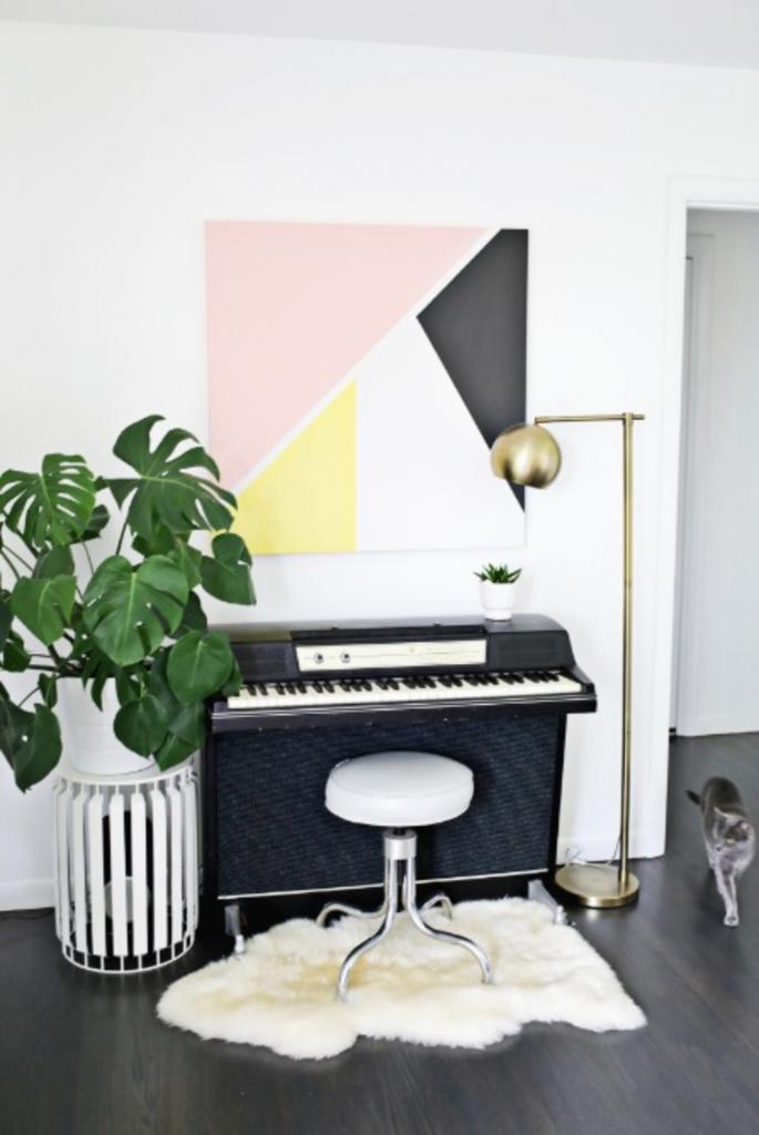 Очень простой способ добавить цветовой акцент в интерьер: делаем современную картину с геометричными цветными блоками