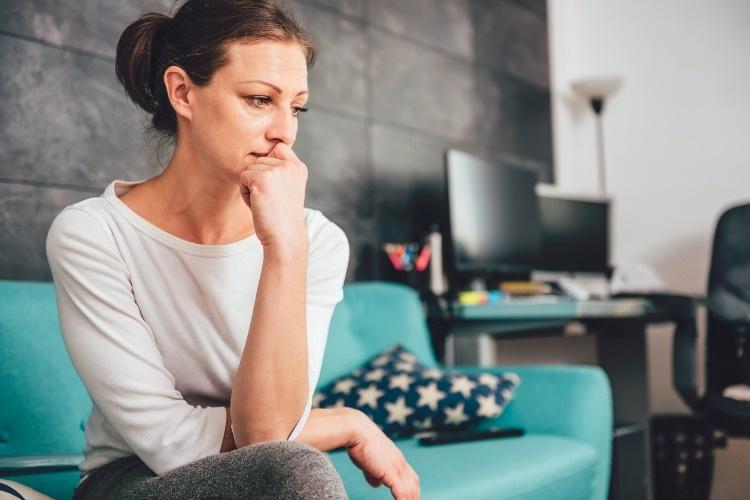 Вера жила с супругом, как соседи. Совет незнакомой девушки побудил ее отправить мужу смс