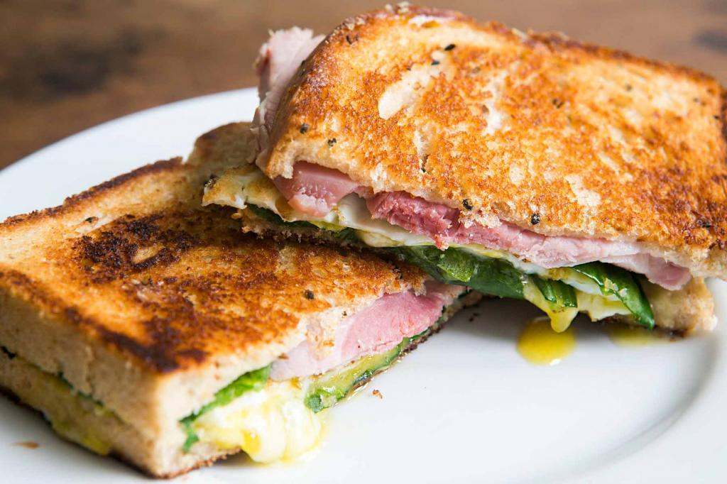 Популярный в ТикТок рецепт сэндвича - быстро и оригинально