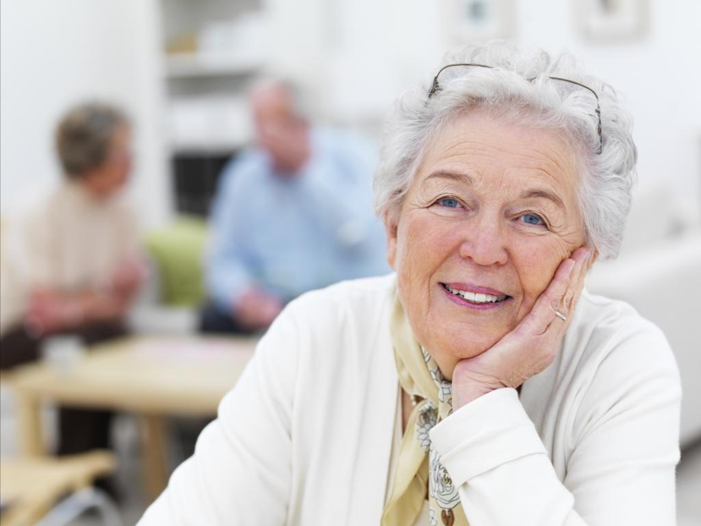 70 летняя соседка никогда не была замужем, и у нее нет детей, но при этом считает себя счастливой